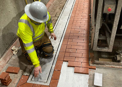 setting acid brick with chemical resistant mortar
